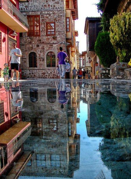 土耳其安塔利亚市(Antalya)的大街