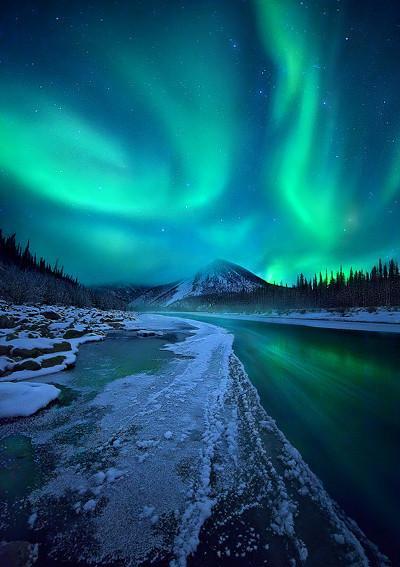 北欧有一个古老的传说:人的一生只要看到一道绿光,许下的愿望都会实现